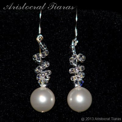 Countess Estelle Swarvoski pearls bridal earrings - click for supersize image