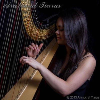 Harpist Glenda Allaway picture 1
