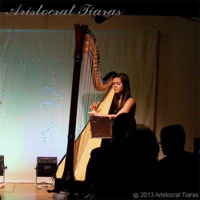 Harpist Glenda Allaway picture 7
