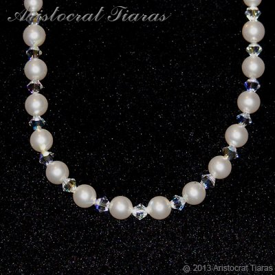 Lady Aurelia handmade Swarovski pearls necklace picture 3