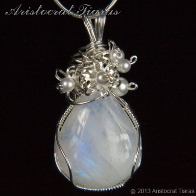 Lady Grace 925 flowers pearls moonstone necklace - click for supersize image