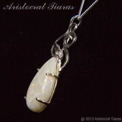Lady Katherine 925 silver leaf Opal necklace picture 4